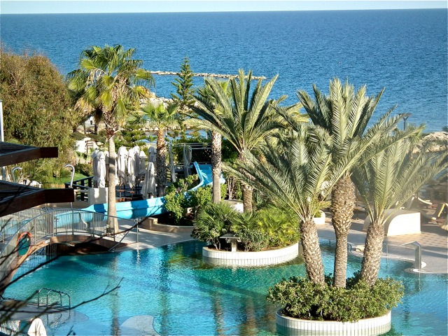 The Flashpackers - Four Seasons Hotel, Limassol Review